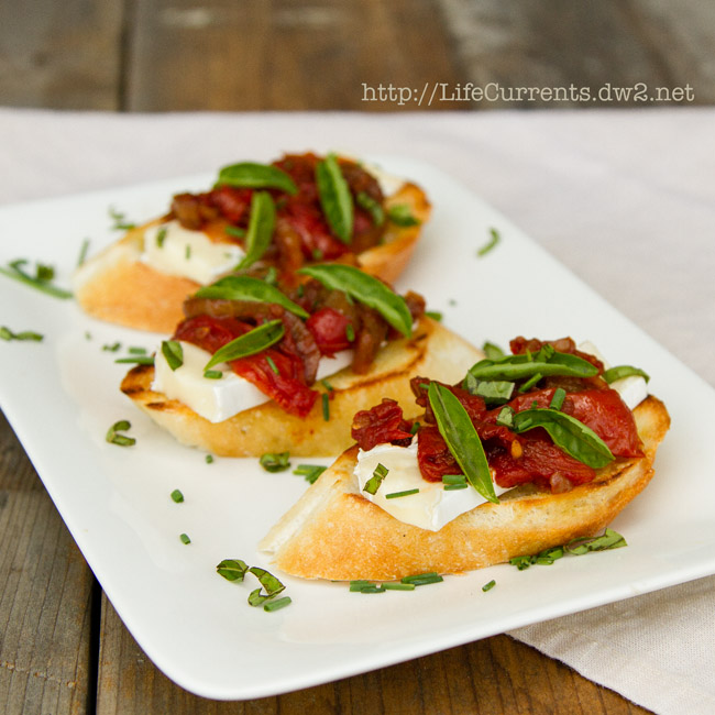 Brie and Balsamic Roasted Tomato Crostini   Life Currents #appetizer #snack #toast